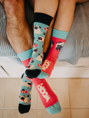 Eredeti ajándék a Dedolestől Vidám zokni Mopsz