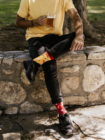 Lifestyle foto Vesele čarape Pivo i roštilj