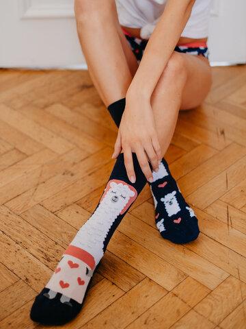 pro dokonalý a originální outfit Veselé ponožky Spící lama