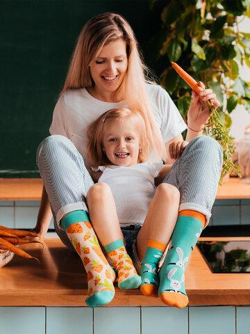 Potešte sa týmto kúskom Dedoles Veselé ponožky Zajac a mrkva