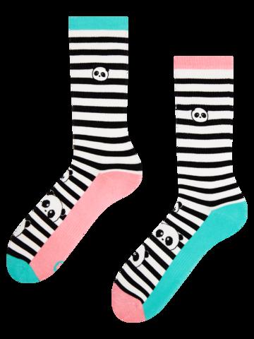 Výnimočný darček od Dedoles Veselé športové ponožky Čiernobiela Panda