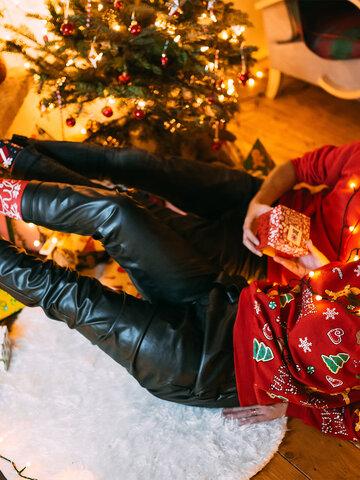 für ein vollkommenes und originelles Outfit Geschenkbox Weihnachtsmann und Rudolf