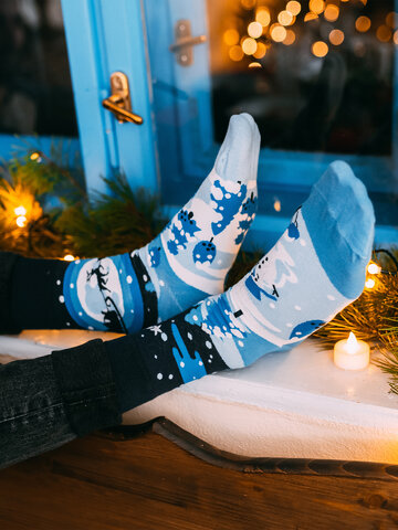 Suchen Sie ein originelles und außergewöhliches Geschenk? überrascht den Beschenkten sicher Lustige Socken Winter