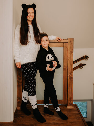 Hľadáte originálny a nezvyčajný darček? Obdarovaného zaručene prekvapí Vesele tople čarape Sretna panda