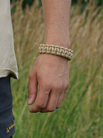 Geschenk von Dedoles Paracord Überleben-Armband sandbeige