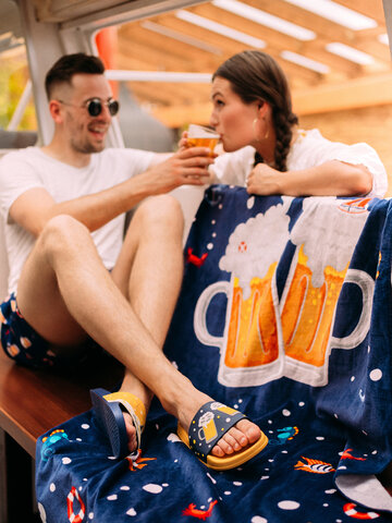 Looking for an original and unusual gift? The gifted person will surely surprise with Slides Cold Beer