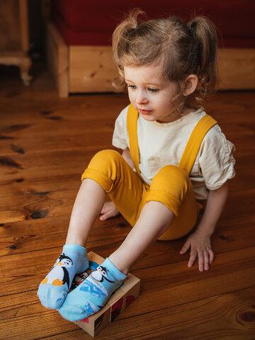 pro dokonalý a originální outfit Veselé dětské kotníkové ponožky Šťastný tučňák