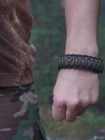 Ausverkauf Paracord Armband mit Messer, Kompass, Feuerschläger und Pfeife Muster 95