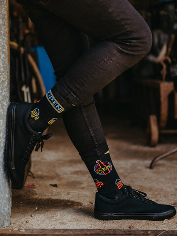 Potešte sa týmto kúskom Dedoles Vesele čarape Neonsko pivo