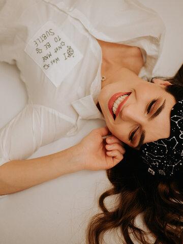 Bereiten Sie sich Freude mit diesem Dedoles-Stück Schlafmaske Sternzeichen