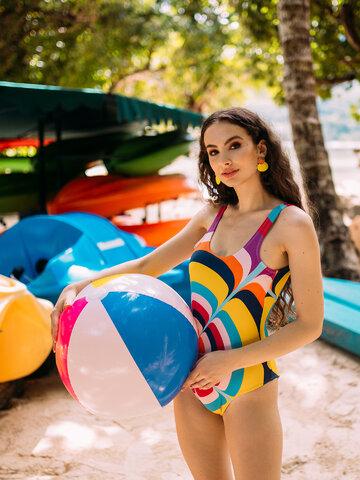 Lifestyle-Foto Lustiger einteiliger Badeanzug für Frauen Spritzende Kreise