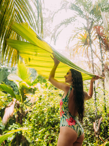 Looking for an original and unusual gift? The gifted person will surely surprise with Women's One-piece Swimsuit Tropical Flowers