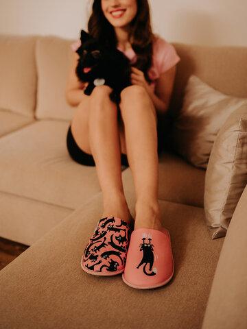 Výnimočný darček od Dedoles Vrolijke slippers Roze katten