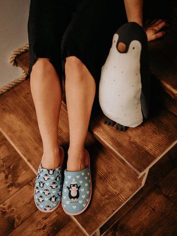 Pre dokonalý a originálny outfit Živahni copati Pingvin na drsalkah