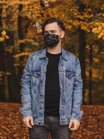 Pre dokonalý a originálny outfit Vesela maska za lice Glazba