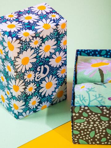Potešte sa týmto kúskom Dedoles Klasická darčeková krabička Kvet sedmokrásky