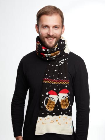 Lifestyle-Foto Lustiger gestrickter Schal für Männer Bier vom Fass