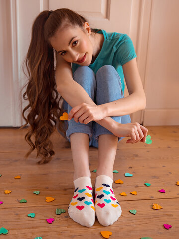 Pomysły na prezenty Wesołe skarpetki do sneakersów Kolorowe serca