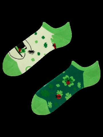 Lifestyle foto Veselé ponožky do tenisiek Štvorlístok pre štastie