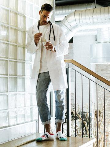 Lifestyle foto Veselé ponožky do tenisiek Zdravie
