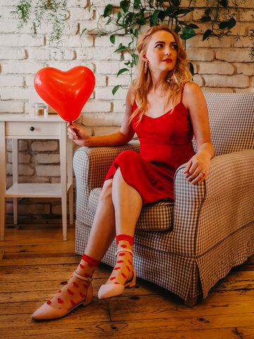 Tip na darček Весели найлонови чорапи Червени сърца