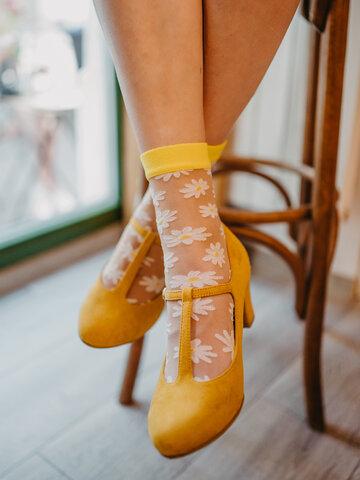 Szerezzen magának örömet ezzel a Dedoles darabbal Vidám nylon zokni Százszorszép
