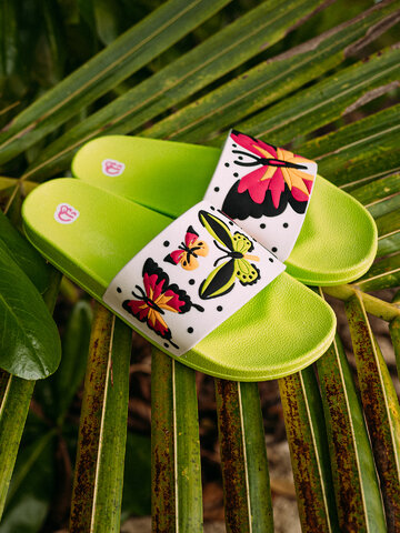 Potěšte se tímto kouskem Dedoles Veselé pantofle Barevní motýli