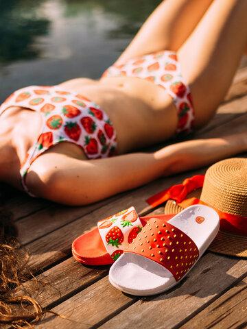 Pre dokonalý a originálny outfit Chinelos alegres de piscina Morangos