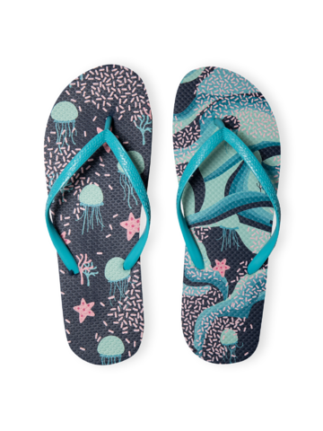 Looking for an original and unusual gift? The gifted person will surely surprise with Flip Flops Underwater