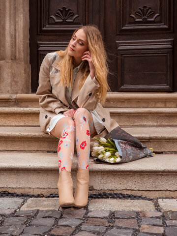 Lifestyle photo Nylon Tights Blue & Red Flowers