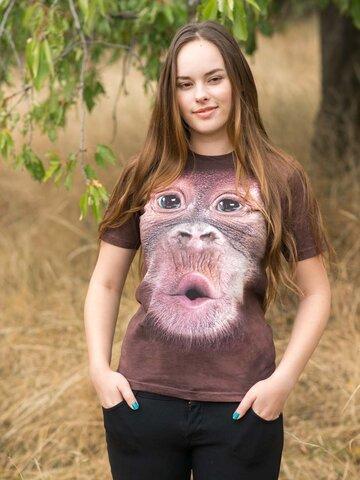 Zdjęcie lifestyle Big Face Baby Orangutan Adult
