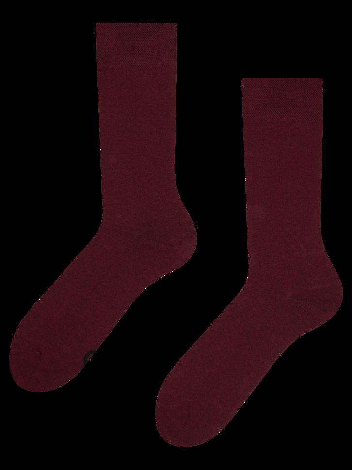 Lifestyle foto Čarape od recikliranog pamuka boje crnog vina