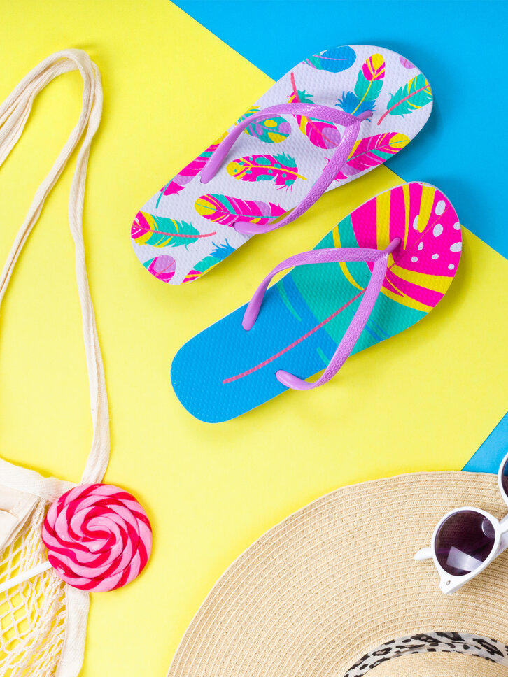 Original gift Flip Flops Colourful Feathers