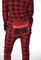 Lifestyle foto Červený károvaný pyžamový overal Medvedie zadočky