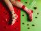 für ein vollkommenes und originelles Outfit Lustige Socken Champagner mit Erdbeeren