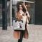 Hľadáte originálny a nezvyčajný darček? Obdarovaného zaručene prekvapí Excent Handbag - Colourful Roosters