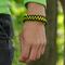 Výpredaj Bracelet en paracorde noir et jaune Shark avec allume-feu, boussole et sifflet