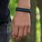 Obrázok produktu Bracelet en paracorde noir et bleu Suit